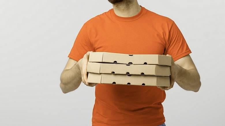 pizza delivery boy-corona